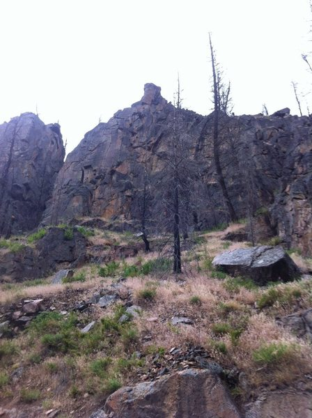Rock Climbing Photo: The Thunderbolt and Lightfeet wall is centered in ...
