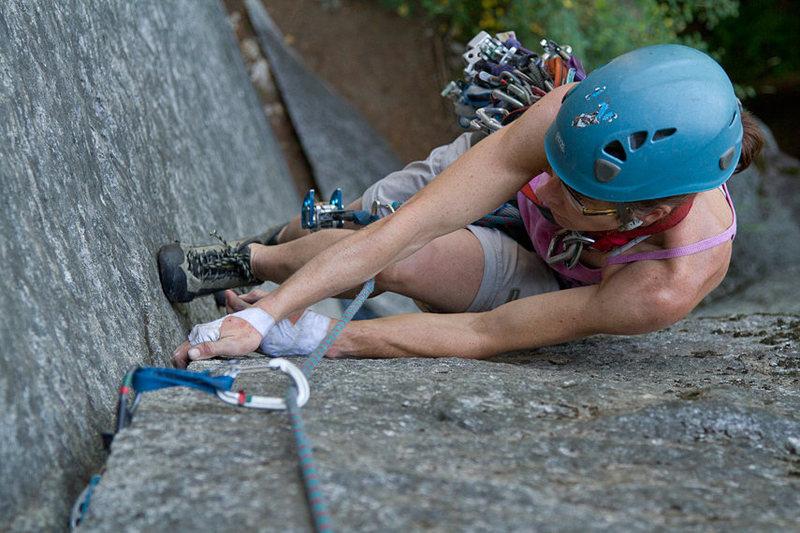 Rock Climbing Photo: Lisa following pitch 2 of Rattletale