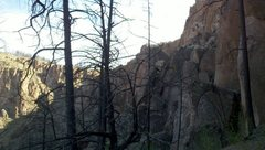 Rock Climbing Photo: Laurel's Climb boulder and Monkey Lust. Area is do...