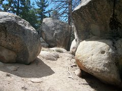 Rock Climbing Photo: Deadwood boulder from the trail. Unnamed v4-5 face...