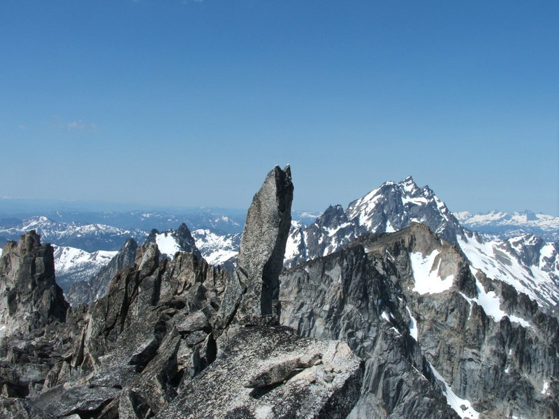 Rock Climbing Photo: Cool teeth on summit of Dragon Tail