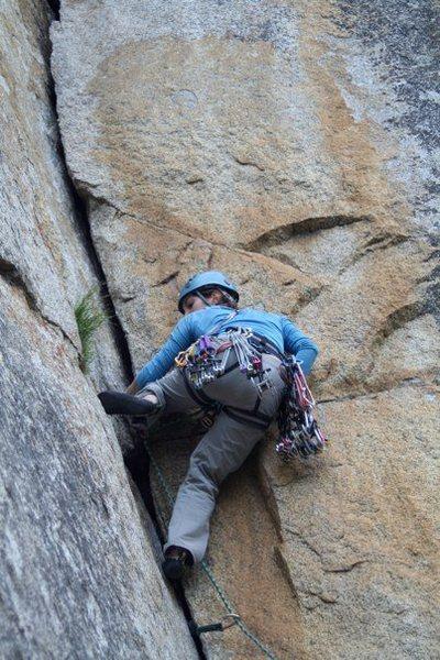Rock Climbing Photo: Sarah leading Meatgrinder
