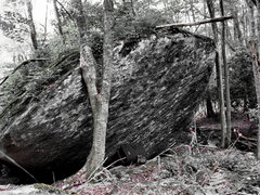 Rock Climbing Photo: Sundance Kid sit starts near my crashpad and climb...