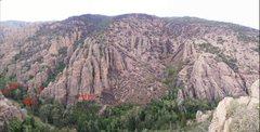 Rock Climbing Photo: The Early Bird Crag and Maple Corridor following t...