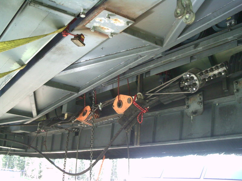Rock Climbing Photo: Ten part pully system reduced this rig to about 17...