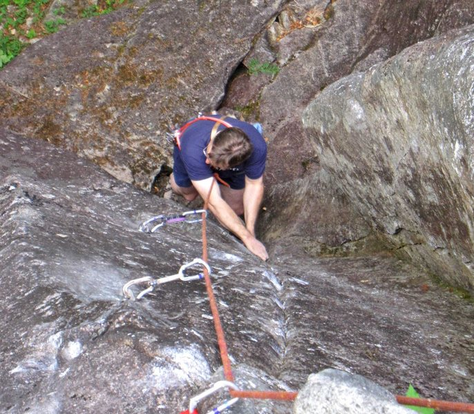 The thin layback moves at the bottom of Flippo (5.10c).