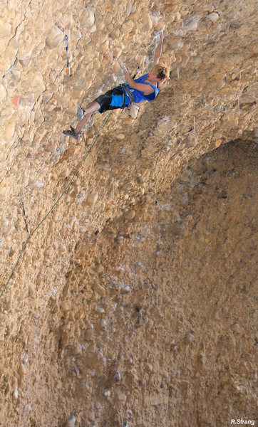 Rock Climbing Photo: 13 year old Ben Hanna starts out the roof Great Fe...