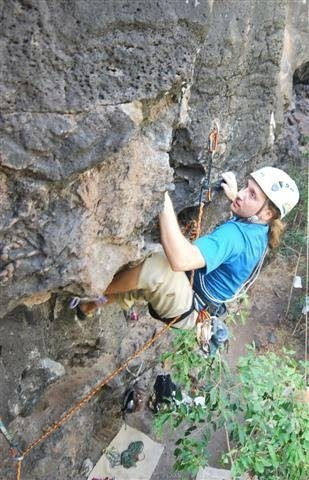 Rock Climbing Photo: Man Your Station (5.11c) Jungle, Oahu, HI