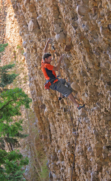 Rock Climbing Photo: Great jug hauling at the start Wake and Bake (5.11...