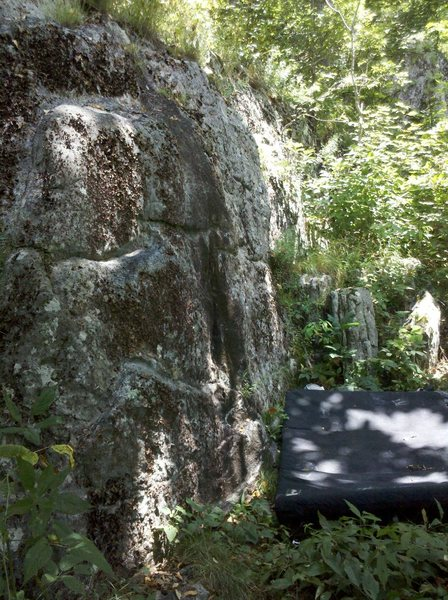 Rock Climbing Photo: Lung Buster Boulder...crashpad is under Atelectasi...