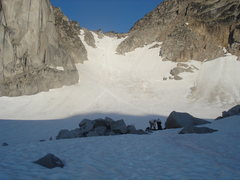 Rock Climbing Photo: Snowpatch-Bugaboo Col.  Small crevasses and bergsh...