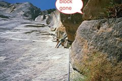 Rock Climbing Photo: The block on start of p3 which  gone in June 2012(...
