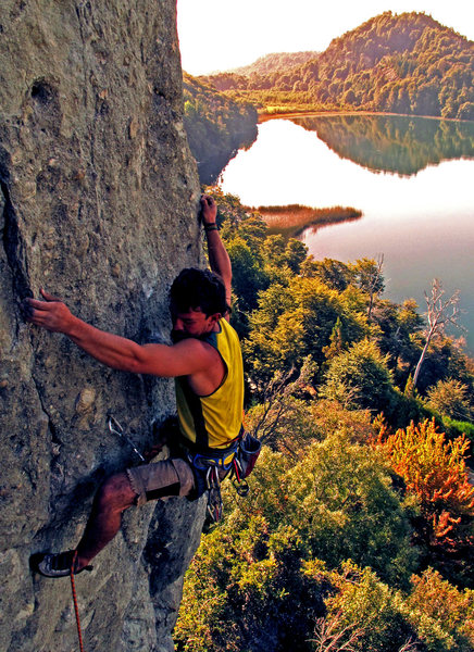 the worst climb in the universe, although a good shot.<br> <br> 7b, torrecillas, argentina