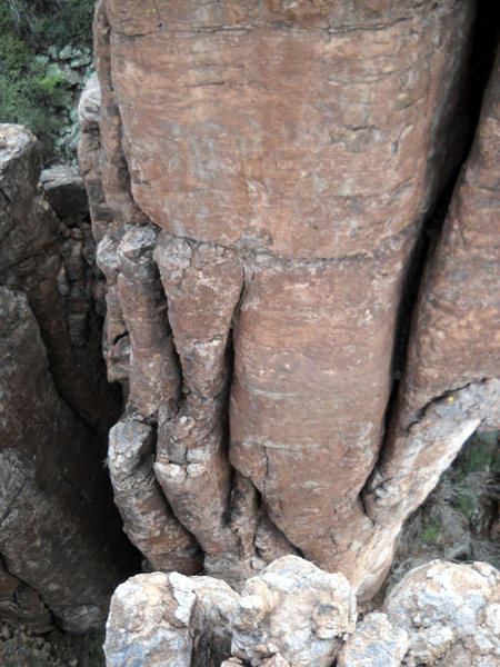 Rock Climbing Photo: Yet-unclimbed feature in the alley