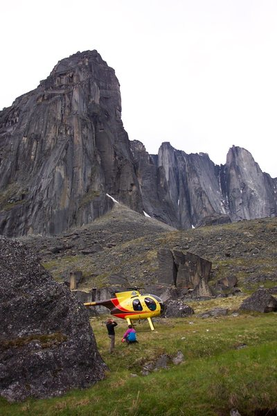 Flying into the Cirque of Unclimbables