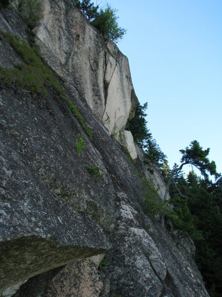 The buttress above- 3rd pitch for The Endurance? There are some huge hairy blocks that need to come down though.