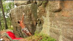 Rock Climbing Photo: Bumping the hand.