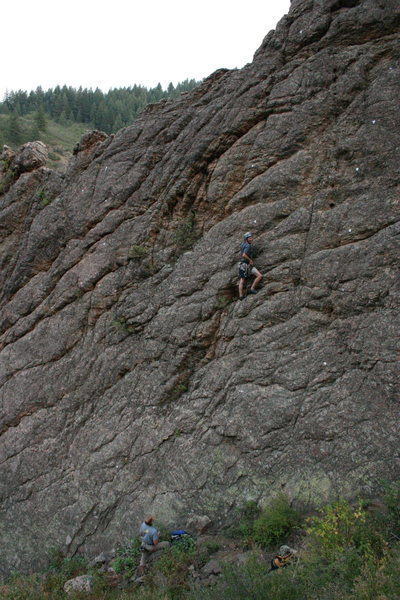 Lee Smith climbing Hasbeen Done.