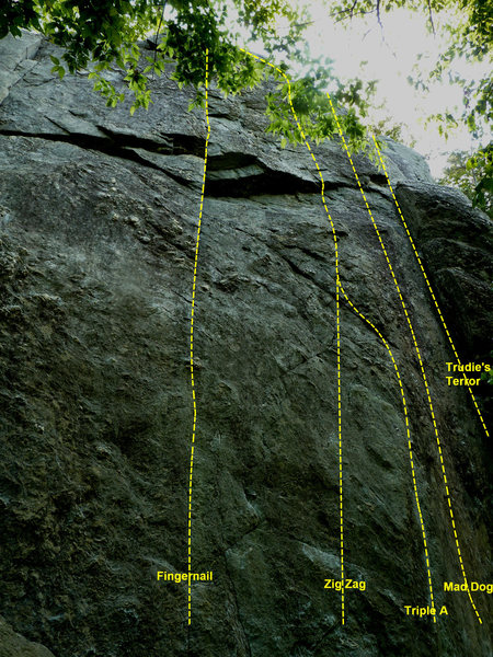 Rock Climbing Photo: Zig Zag is the second climb from the left