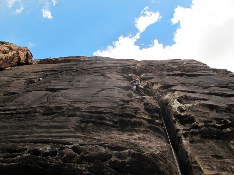 Having a blast on Fold-Out. Mellow climbing, easily protectable. Made me smile. : )