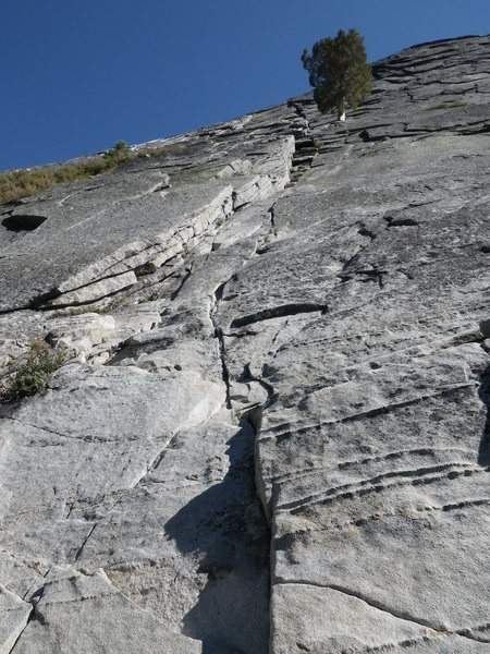 Knapsack Crack 5.5. Most of the first 2 pitches.