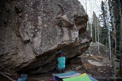 Rock Climbing Photo: Christian Prellwitz about to start 'Bert's Butt' (...