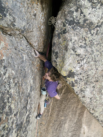 Cody Sims on pitch 7 of Pent Up, the Black Canyon.
