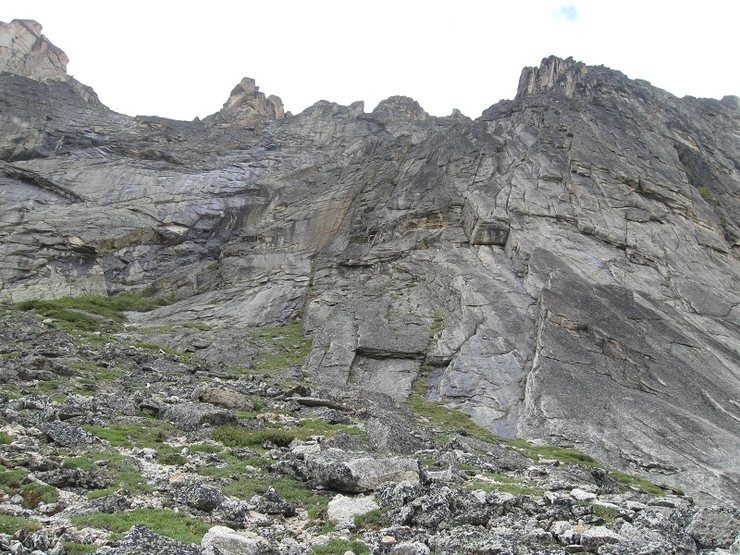 Rock Climbing Photo: The base of Giradelli, starts up the prominent lef...
