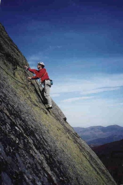 Rock Climbing Photo: Heading out right on the third pitch of Slide Rule...