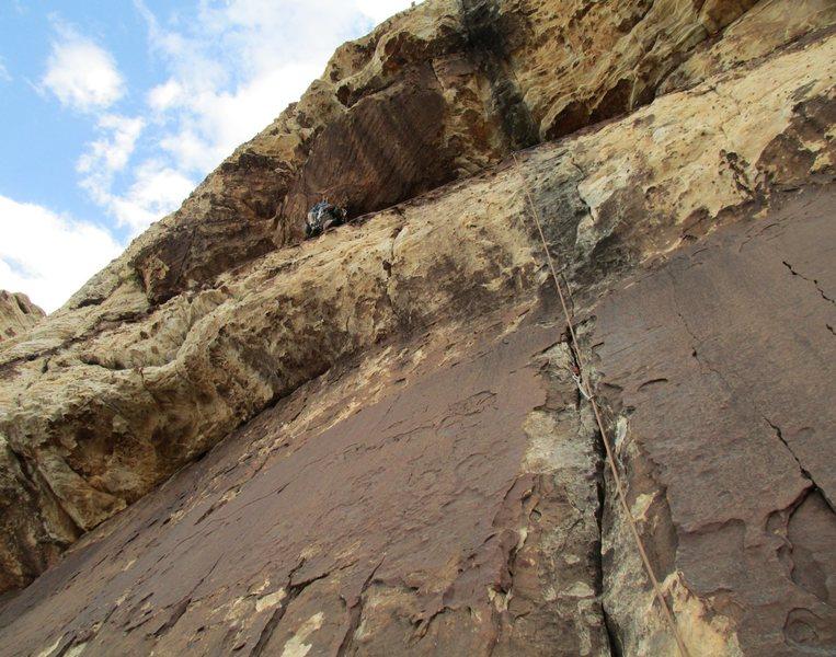 Rock Climbing Photo: Jonny on the long ramp traverse of P-3. Fun!