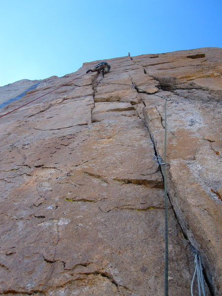 Steve Z. on his way to an onsight of the crux pitch of Ariana.