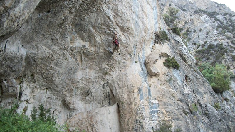 climbing at infectious cave, mount charleston. July 2011.
