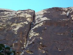 Rock Climbing Photo: Leading pitch 2 of ragged edges, red rock nevada. ...
