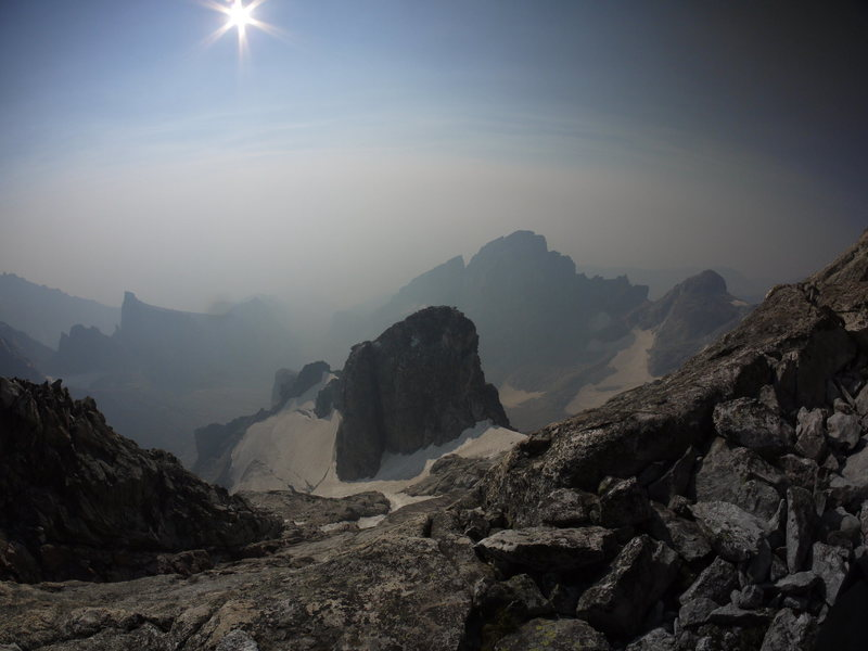 Rock Climbing Photo: Heavy forest fire haze on the Grand Traverse.  Nez...