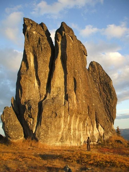 Rock Climbing Photo: West face of Asgard Tor. All it needs are some cli...