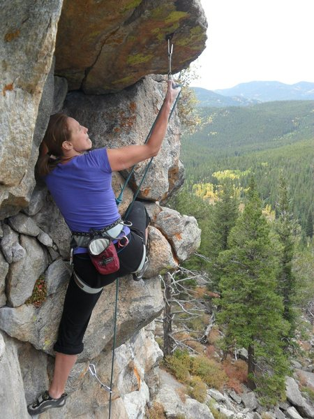 Rock Climbing Photo: Clipping the bolt at the second roof. (Photo credi...