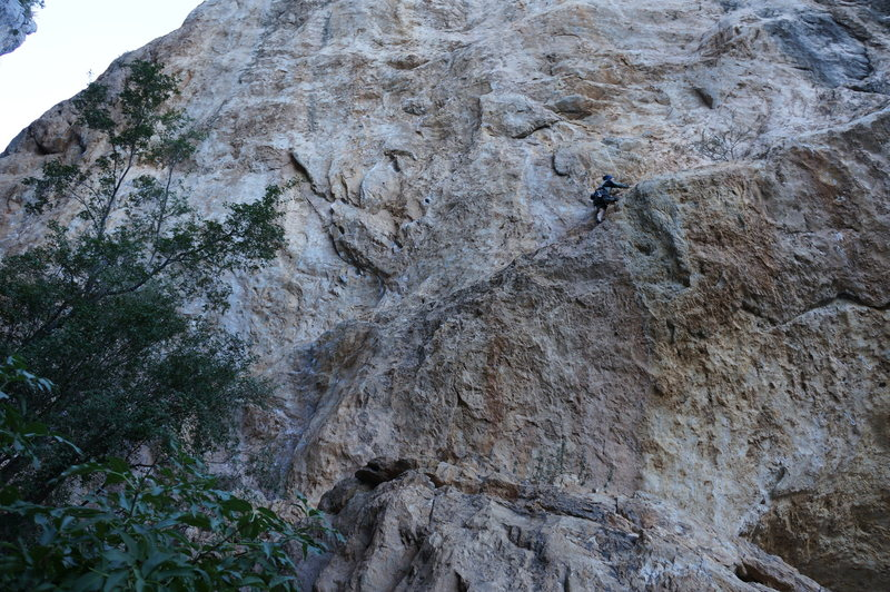 Climbing the approach to Stealers of Culture 12b.