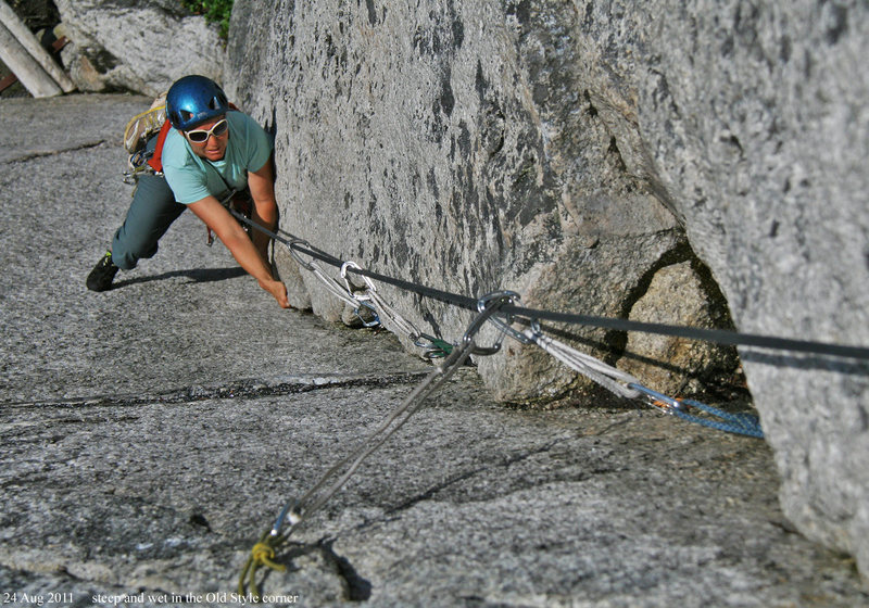 Rock Climbing Photo: Laybacking the corner on OldStyle