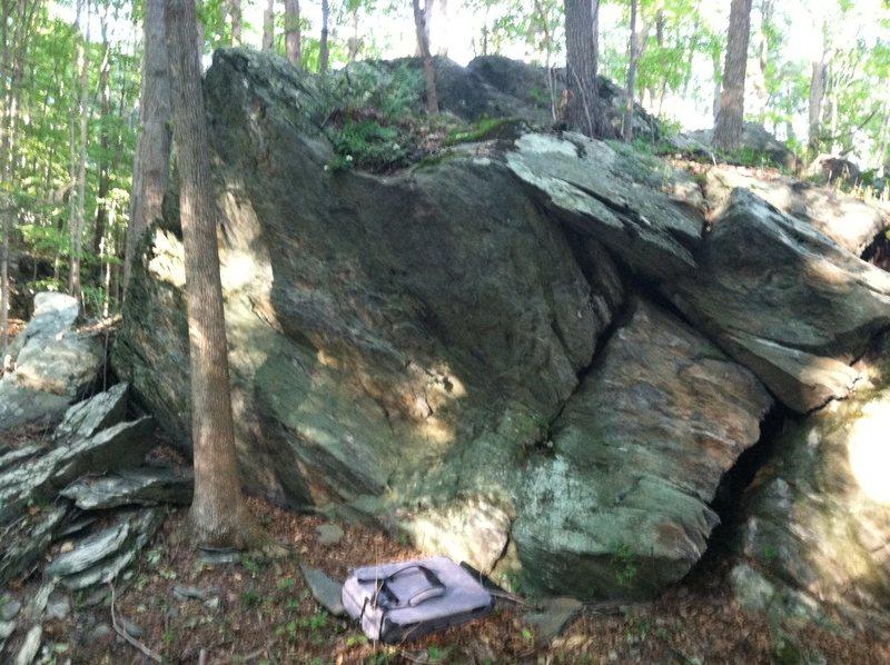 Rock Climbing Photo: FDR Boulder 1: Blind Corner (V1-2) starts just abo...