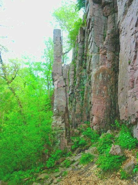 Rock Climbing Photo: Fickle Finger West Side - Palisades SP S-Dakota An...