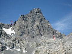 Rock Climbing Photo: (1) The chute where the route begins. The prominen...