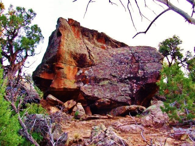 Rock Climbing Photo: Equinox Boulder's west face, this is the face you ...