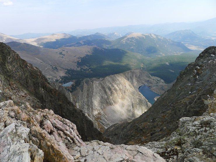 Looking across to Blitzen Ridge as we start the descent down Donner Ridge.