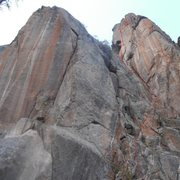 Rock Climbing Photo: Pilots 3 Mayday shown in red. The crack shown cent...