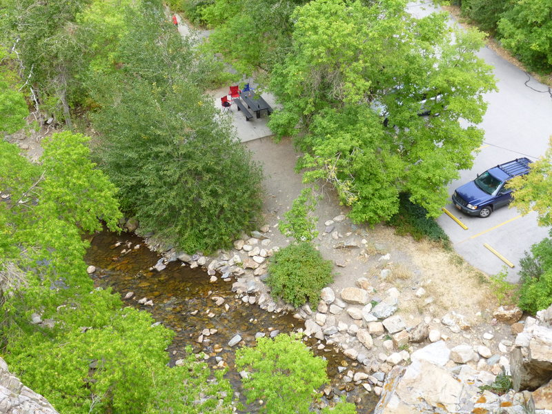 Rock Climbing Photo: parking lot and picnic tables.