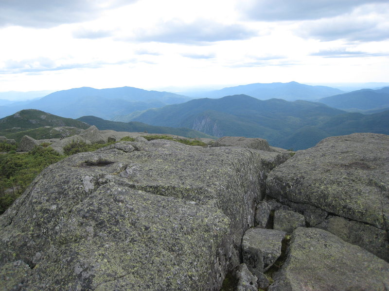 Summit of Algonquin toward Wallface/Indianpass