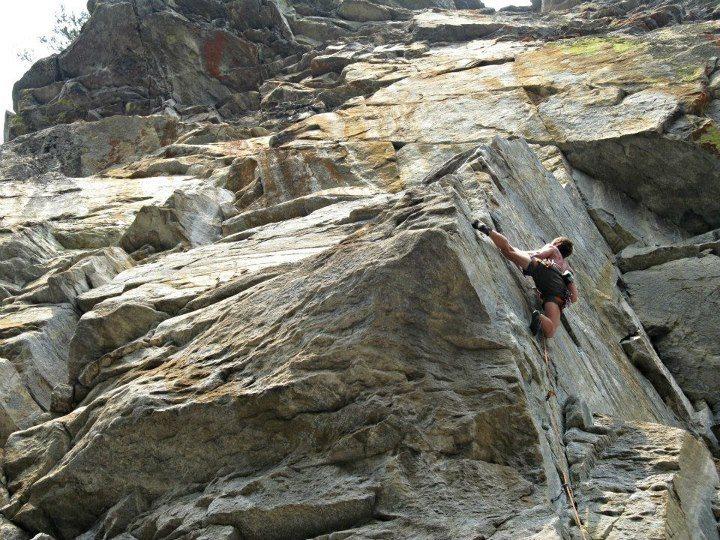 Rock Climbing Photo: Razorback