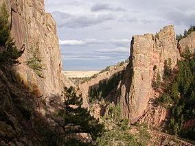 Rock Climbing Photo: The front yard