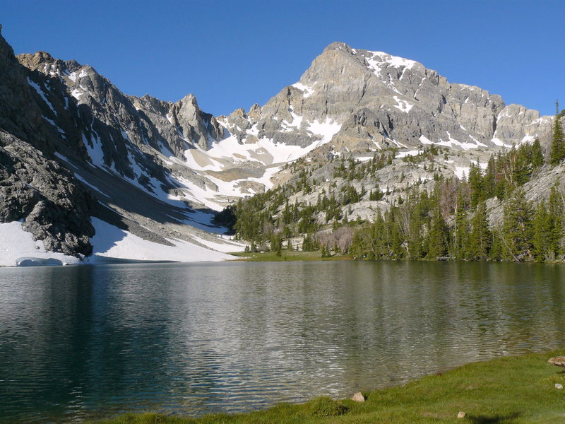 Rock Climbing Photo: The East Face of Mount Idaho above Merriam Lake