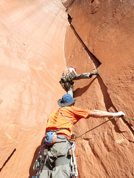 """Syncronized limbs! Cory gettin' hory on random (but beautiful) 5.10+. (Note, this is NOT """"Desert Sunset."""" But this IS(?) """"Your Moma,"""" a duplicate listed climb, at least as described here on MP. Even though no one seems to know where that name came from...)"""
